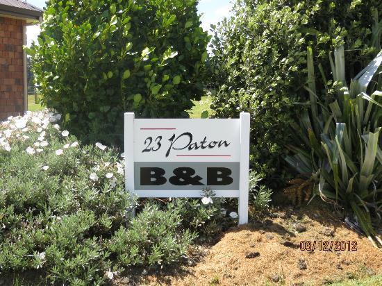 23 Paton : The Entrance