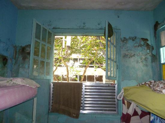 Piratas de Ipanema: Mofo nas paredes