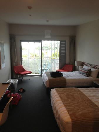 Navigate Seaside Hotel & Apartments: Two Queen Bed Room
