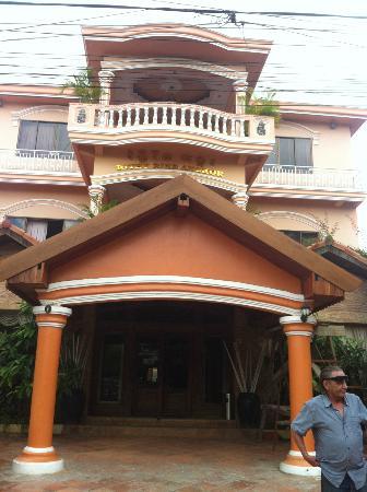 Rithy Rine Angkor Hotel: Hotel Exterior