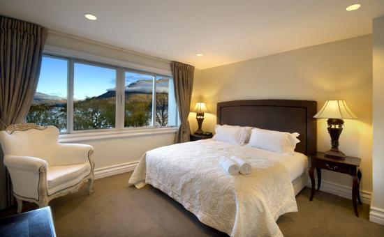 Esplanade Queenstown: Master Bedroom