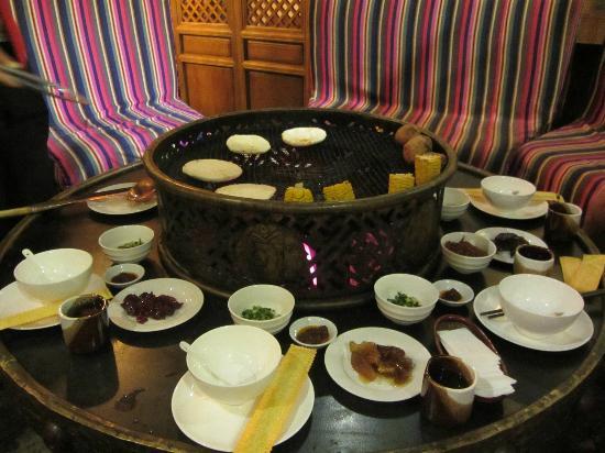 Tianyu Shangyuan Inn: Naxi Meal