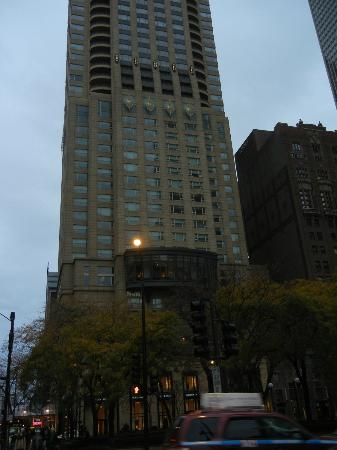 Park Hyatt Chicago: Park Hyatt from Michigan Ave.
