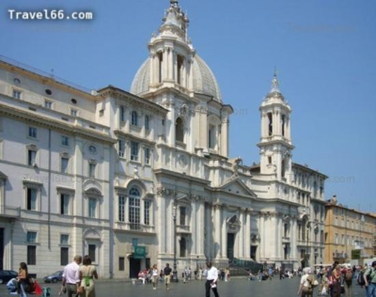 Rome Tour Guide Tours : Church of Saint Agnes in Piazza Navona