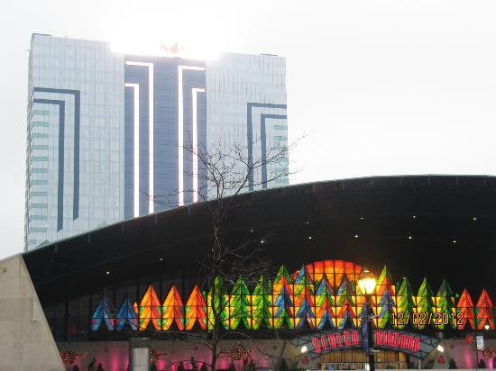 Seneca Niagara Casino: Outside