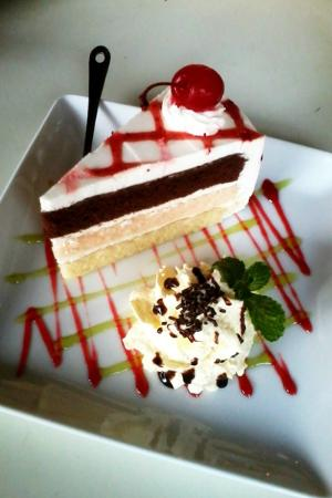 Fresh Cafe: Triple Flavour Cake