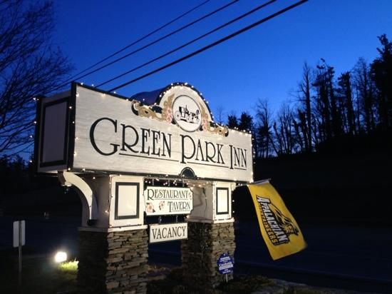 The Green Park Inn: The sign welcoming you