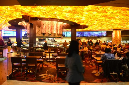 Bar Americain at Mohegan Sun is an American Brasserie featuring regional American food created by Chef Bobby Flay. Located in the Casino of the Sky, Bar Americain celebrates America's diverse culinary heritage, inspired by Bobby's extensive travels throughout the country.