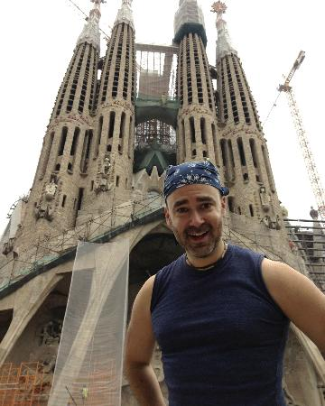 Running Tours Barcelona: Not only did Robin show me sites (like Sagrada Família), but he even took photos when we got the