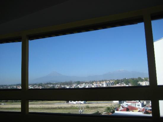 Holiday Inn Puebla Finsa: View from elevator area/hallway