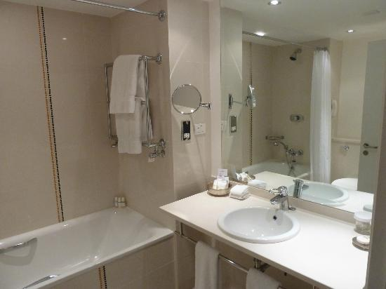 The Lowry Hotel: Bathroom