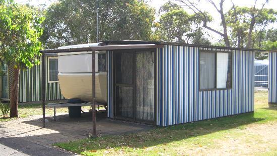 NRMA Ocean Beach Holiday Resort: Campervans for hire??