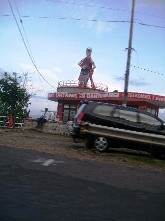 Banyuwangi, Indonesia: Patung Gandrung Waadudodol