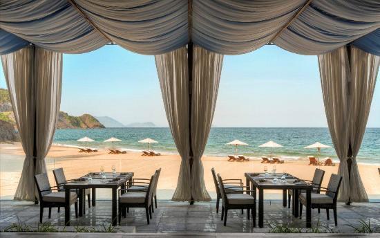 Mia Resort Nha Trang : Sandals Restaurant & Bar