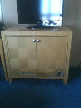 Days Hotel Manama: the minibar must have leaked at one point. Veneer flaking off door of cabinet
