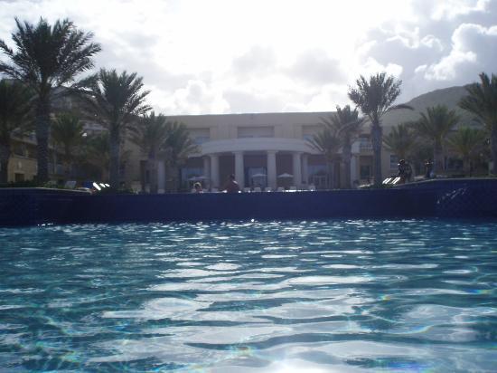 The Westin Dawn Beach Resort & Spa, St. Maarten: view from swim up bar