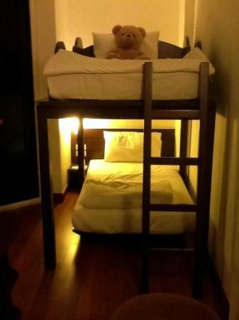 ibis Phuket Patong: Bunk bed with huge teddy!