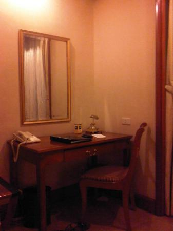 Richmonde Hotel Ortigas: Desk