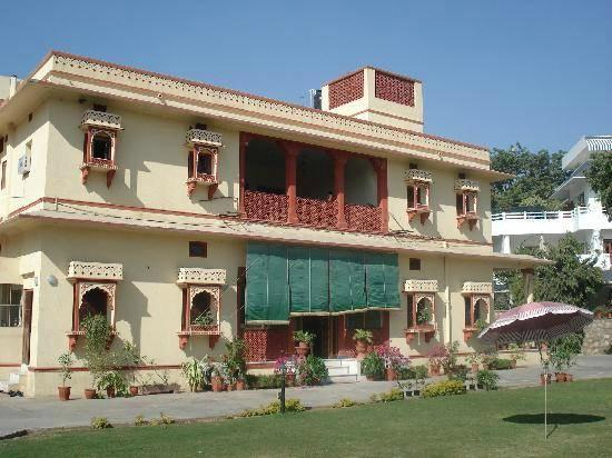 Barwara Kothi: The Hotel