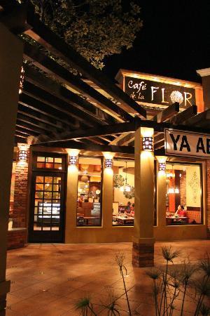 el restaurante en plaza rio picture of cafe de la flor tijuana tripadvisor. Black Bedroom Furniture Sets. Home Design Ideas