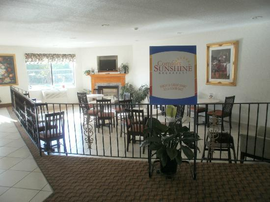 Comfort Inn Winterville: Wake up to a sunny, inviting breakfast ...