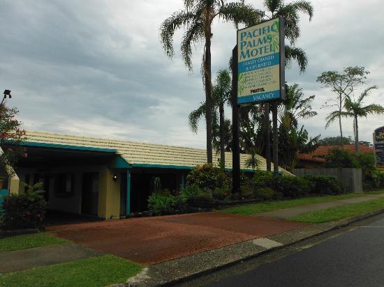 Coffs Harbour Pacific Palms Motel: Front