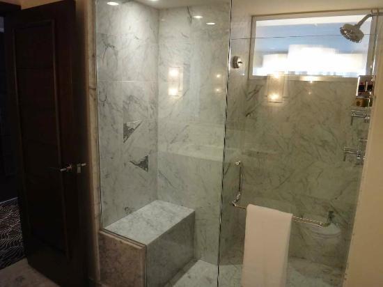Koa Kea Hotel & Resort: バスルーム