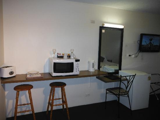 Coffs Harbour Pacific Palms Motel: Room Faclities before renovations