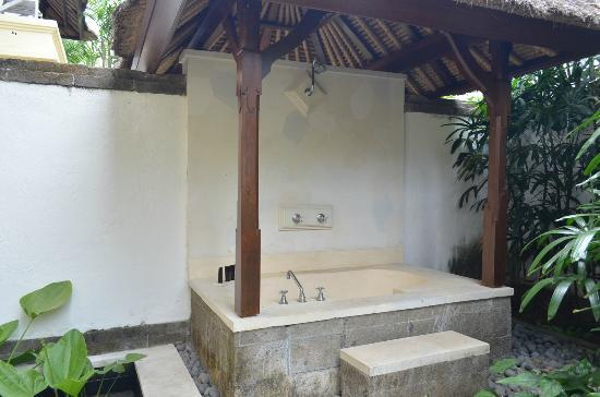 Karma Jimbaran: Outdoor bath