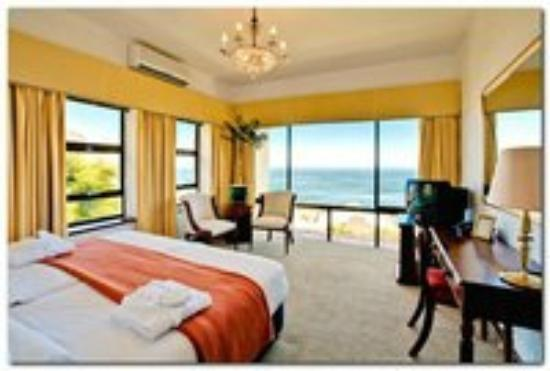 Bayview Penthouses : Seaview Room double bedroom