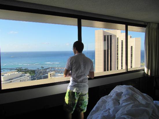 Marina Tower Waikiki: Admiring the View