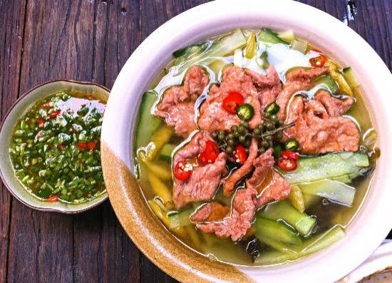 Dezhe Xiaoguan : 沾水牛肉