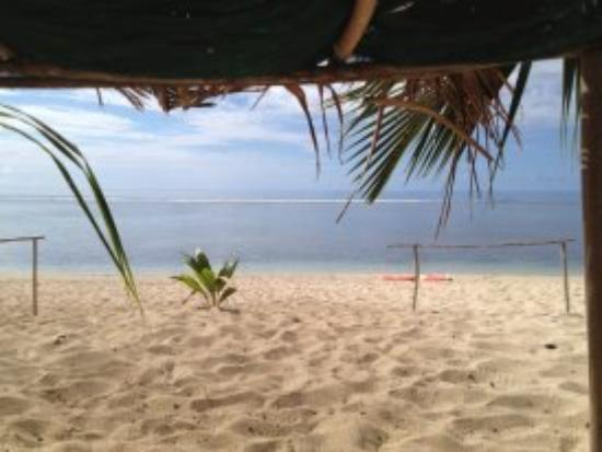 Heilala Holiday Lodge: Beach life at Heilala - December 1st 2012