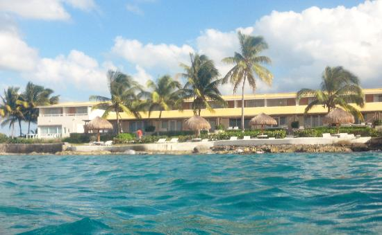 Presidente Inter-Continental Cozumel Resort & Spa: Hotel from the sea
