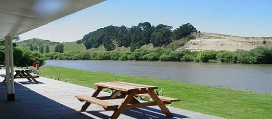 Whanganui River: River View