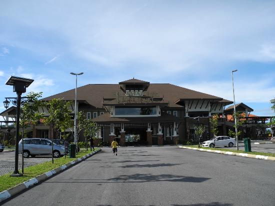 Tok Aman Bali Beach Resort: The entrance