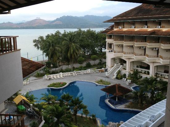The Orient Star Resort Lumut: Nice view, but that's it.