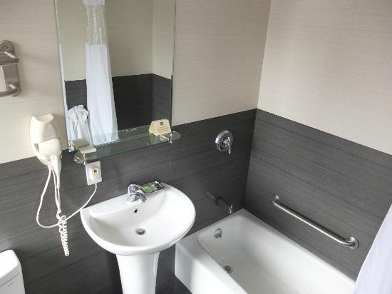 BEST WESTERN Bowery Hanbee Hotel: Salle de bains