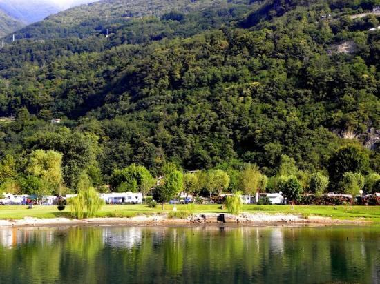 Camping La Riva: Campingpladsen