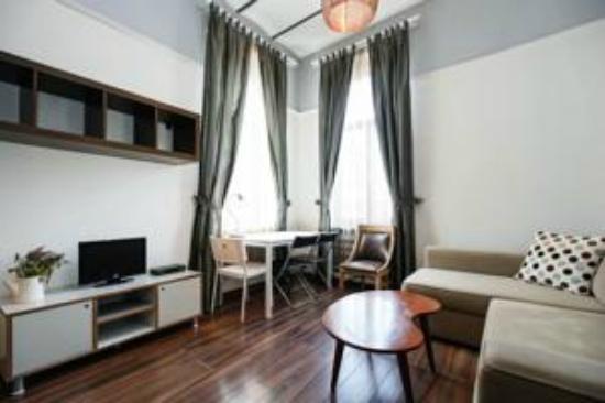 Ala Suites: Living Room