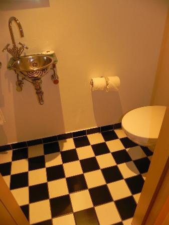 INNSIDE by Melia Frankfurt Eurotheum: Toilet