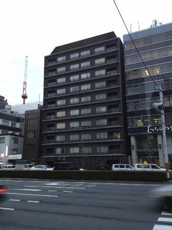 โรงแรมซิต้าดีนส์ เกียวโต คาราซูม่า โกโจ: Facade on the street