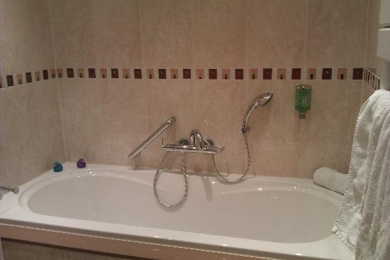 Sense Hotel: Bosch Suite bath