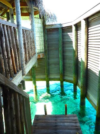 Gili Lankanfushi Maldives: access to the sea from bathroom