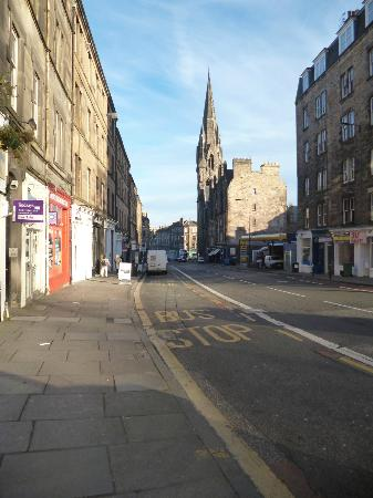 BEST WESTERN PLUS Edinburgh City Centre Bruntsfield Hotel: walk into town
