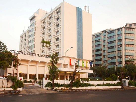 Ramada Chennai Egmore: Hotel exterior