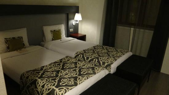 Hotel Palazzo Zichy: The beds