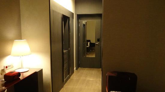 Hotel Palazzo Zichy: wardrobe area