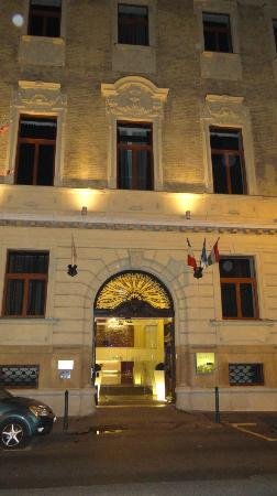 Hotel Palazzo Zichy: Entrance