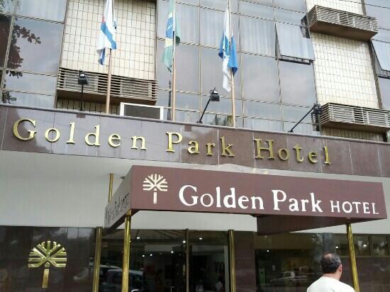 Golden Park Hotel: Fachada